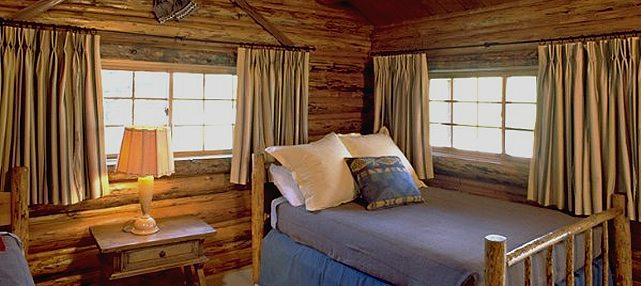 Spotted-Horse-Ranch-Bedroom